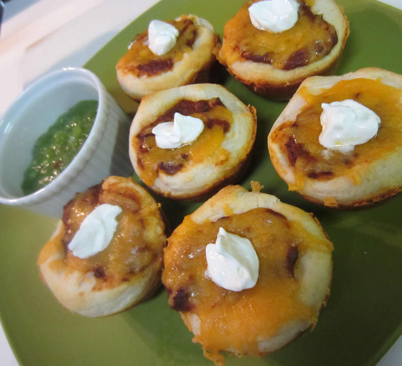 Superbowl Snacks - Chili Cheese Biscuits at ALittleClaireification.com #superbowlsnacks #superbowlfood #recipes #superbowl