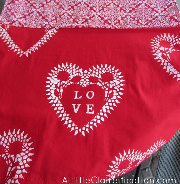 Valentineu0027s Table Runner With ALittleClaireification.com #Valentines  #tablerunner #Crafts