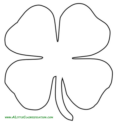 St patrick 39 s day crafts how to make an easy throw pillow for Shamrock cut out template