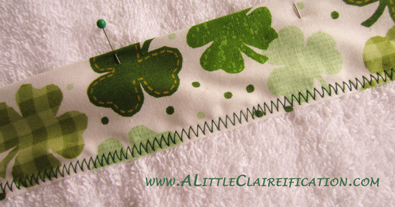 St. Patricks Day Crafts - Hand towels at ALittleClaireification.com #crafts #diy #stpatricksday
