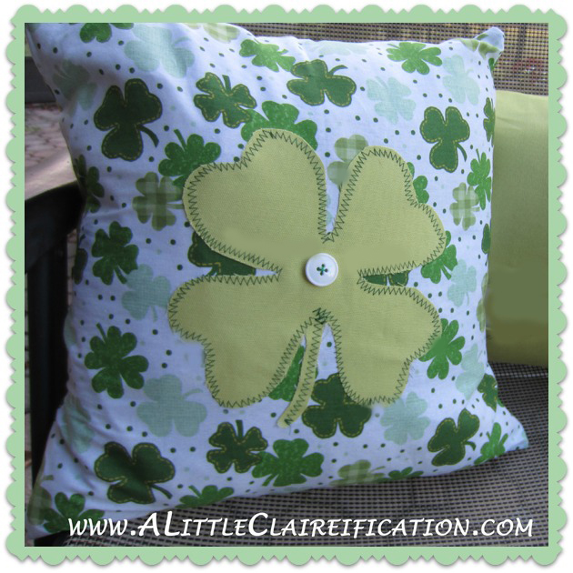 St. Patricks Day Crafts: St. Patrick's Day Pillow with ALittleClaireification.com #crafts #DIY #StPattysDay #Irish