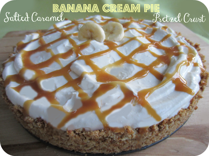Salted Caramel Banana Cream Pie w/ ALittleClaireification.com #recipes #desserts #foodie