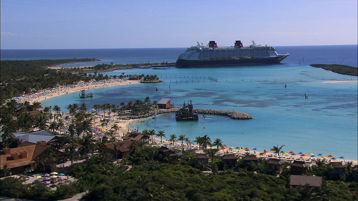 Making The Most of A Disney Cruise tips with ALittleClaireification.com #vacation #disneycruise #disneyparks @alittleclaire
