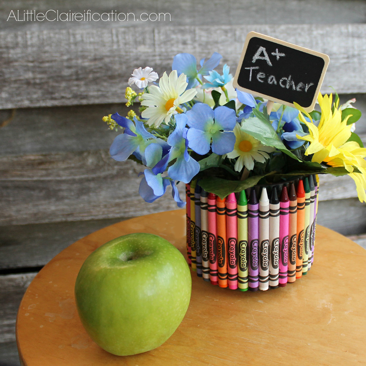 Back To School Craft: Crayon Vase Teacher Gift with ALittleClaireification.com #crafts #teachers #school @ALittleClaire