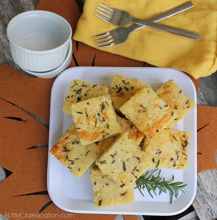 Moist & delicious Rosemary Parmesan Cornbread with less than 5 minutes ...