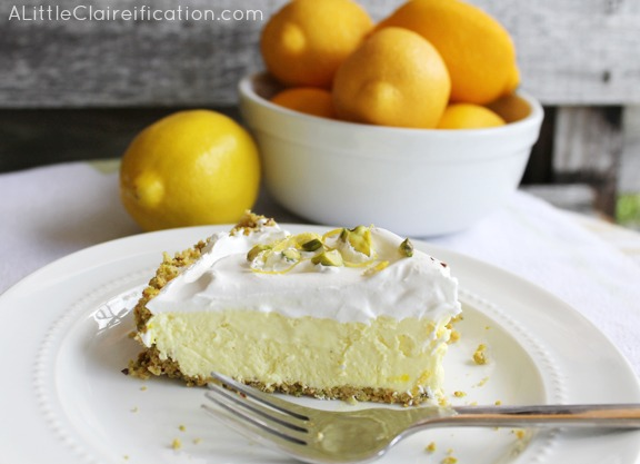 Lemon Ice Box Pie - A Perfect Spring Dessert #recipe #dessert