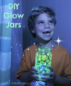 DIY Glow In The Dark Jars - Summer Kids Crafts at ALittleCLAIREification,com