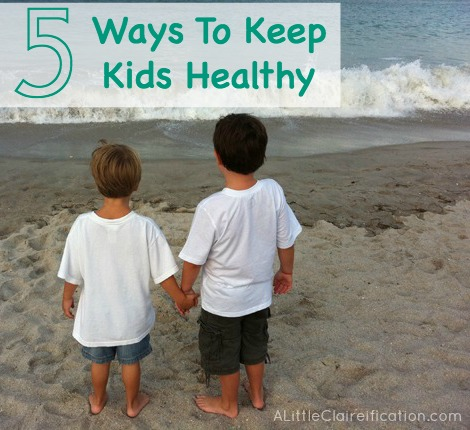 Five Ways To Keep Kids Healthy - We've avoided colds and flu (and worse) all season thanks to a few ounces of prevention! #YoungLiving #EssentialOils