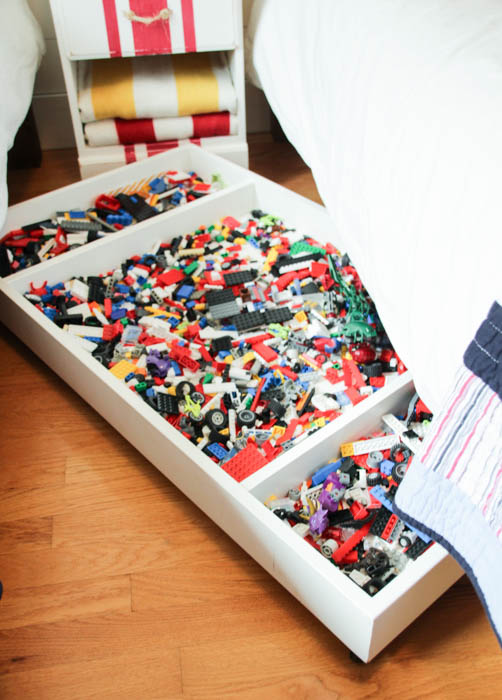 1_Under-Bed-Rolling-Lego-Storage-Cart-at-thehappyhousie.com-151