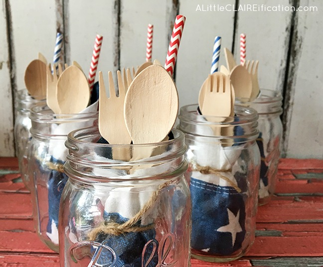 4th Of July Party Picnic Jars - these all-in-one jars are a perfect addition to any summer party - 1