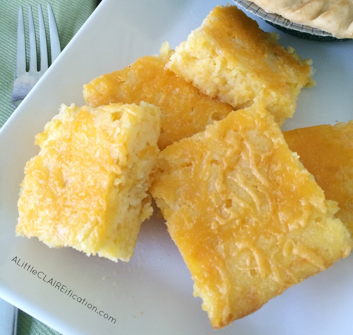 Easy Cheddar Cornbread Recipe - only 5 minutes prep and a delicious comfort food!