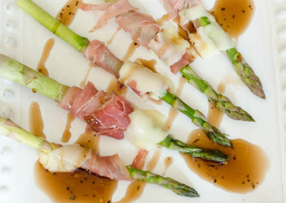New Year's Eve Appetizers & Party Food Ideas - Prosciutto Wrapped Asparagus With Mozzarella