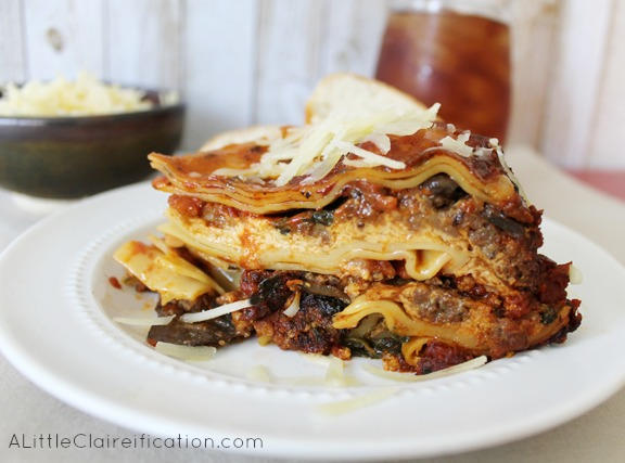 Crockpot Spinach Lasagna With Sausage and Mushrooms at ALittleClaireification.com #recipe #slowcooker