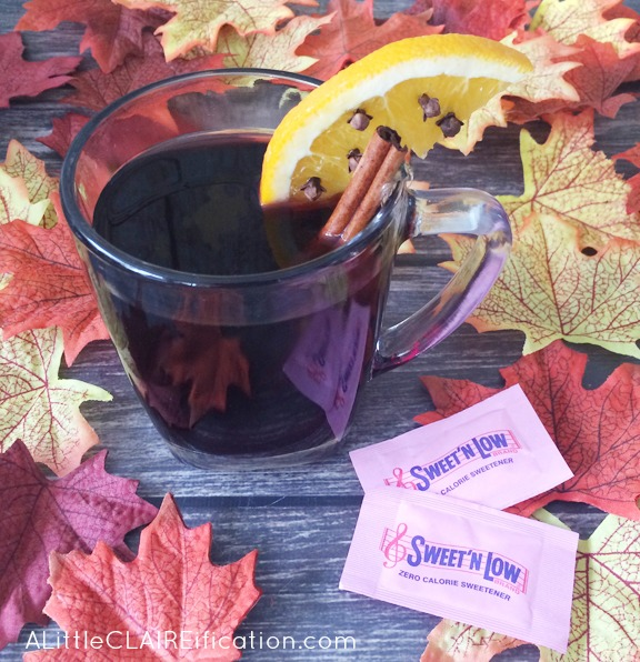 Skinny Thanksgiving Spice Mulled Wine