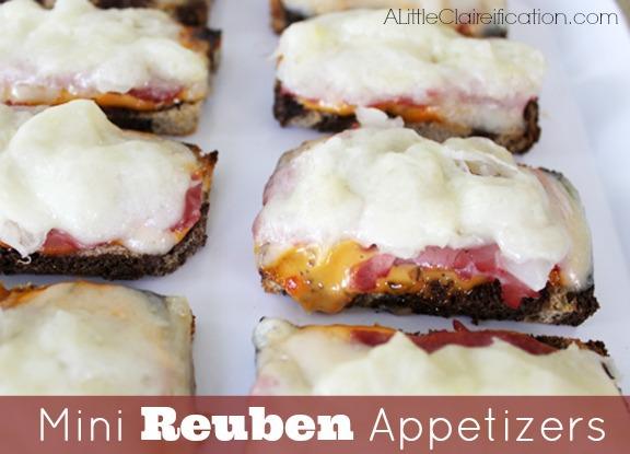 Mini Rueben Appetizers by ALittleClaireification.com #Recipes #Appetizers #NewYears #Superbowl