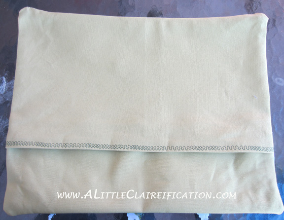 Finished Pillow BackSt. Patricks Day Pillow with ALittleClaireification.com #stpattysday #Shamrock #pillow #craft