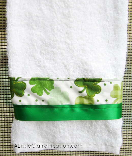 St. Patrick's Day Easy Hand Towel | Easy St Patrick's Day Decorations | Sewing Projects | Featured